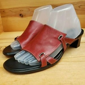 Munro American Women's 9 Red Leather Open Toe Mule